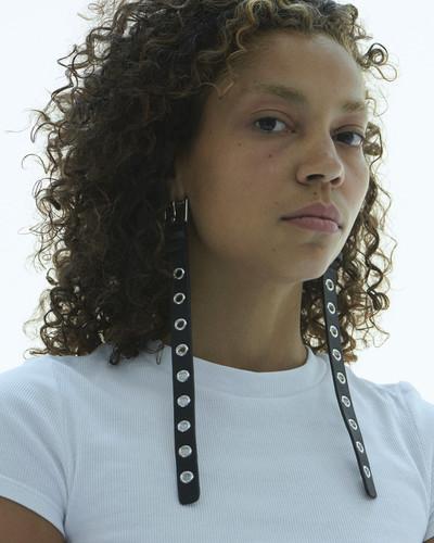 Belt Earrings - © D'heygere