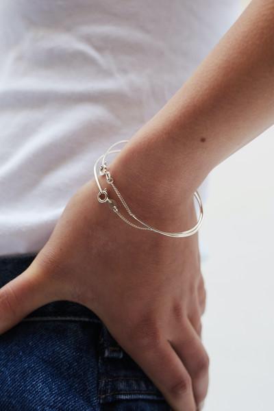 Chain Bangles/Hoops - © D'heygere