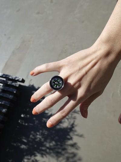 Compass Ring - © D'heygere