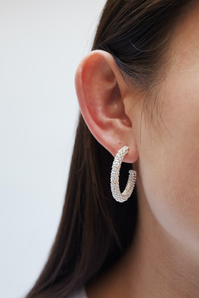 Twisted Chain Hoops - © D'heygere
