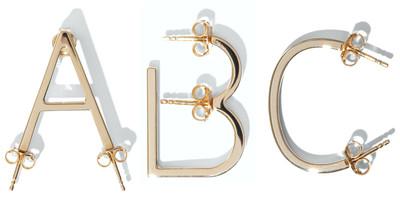 Alphabet Earring Gold - © D'heygere