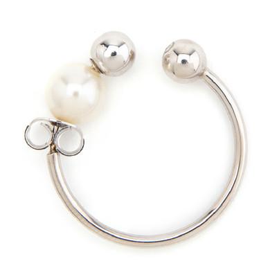 Pearl Earring Ear Cuff White - © D'heygere